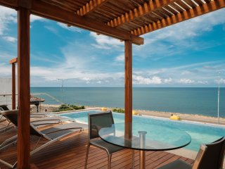 Car010-Luxury oceanfront house with two pools in the Center of Cartagena
