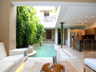Car006-Beautiful property totally renovated in the center of Cartagena