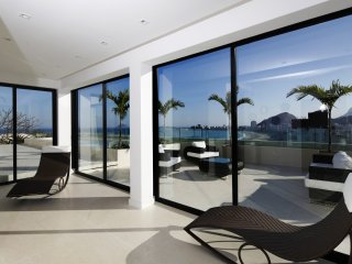 Rio075-Largest beachfront penthouse in Rio with private pool with 11 bedrooms