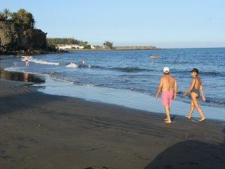 Apartamento junto al mar, piscina climatizada, seguro, tranquilo, nuevo, familia