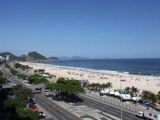 Rio122- Classy 3 Bedroom Flat on Copacabana beachfront with balcony