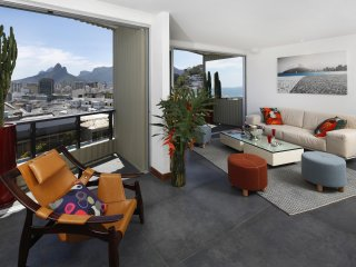 Rio018-Penthouse with breathtaking view pool in Arpoador