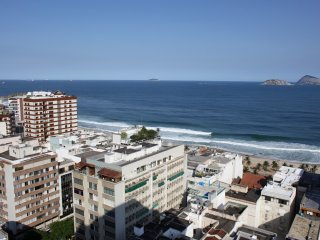 Rio210-Exceptional apartment on the last floor of the Tiffany's, in Ipanema