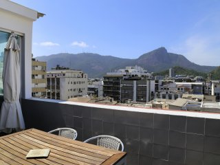 Rio015-Lovely modern penthouse with view on the Corcovado mountain in Ipanema
