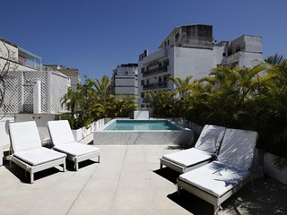 Rio076-Large 2 bedroom penthouse with pool in Copacabana next to the Palace