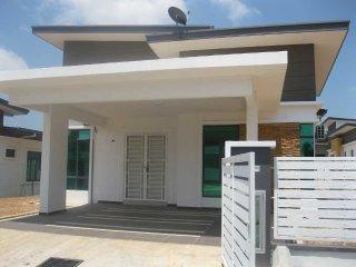 Samz Homestay Melaka (Banglo 4 Bilik)