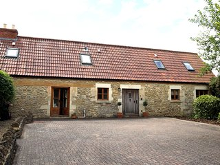 Farmhouse - Sleeps 10