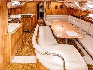 Sailing Boat Andromeda- house