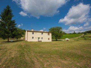 Casale in Chianti  con piscina privata a 16 km da Firenze e a 5 km da Impruneta