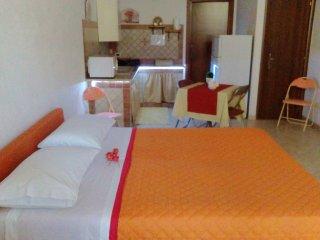 Relax Room Ampio alloggio nuovo ed arredato vicino al mare e al centro storico