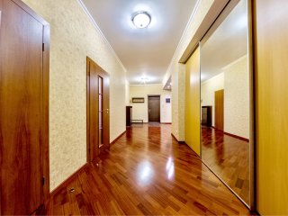 4 room hth24 apartment Nevskiy Prosp.168