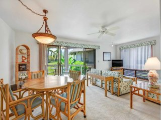 Lush View in Sunny Kona-Keauhou! Kitchen Ease, Lanai, Laundry, WiFi, TV Kanaloa