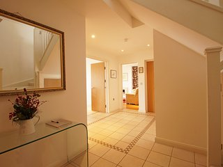 Cottage or 7 in the seaside town of Abersytwyth.  Aberystwyth Penthouse: 490957