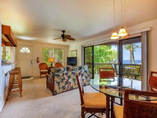 Relaxing Pacific+Palm View! Lanai w/Wet Bar, Modern Kitchen, WiFi, TV Kanaloa