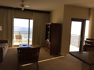 2BR/2B condo-great view-close to Pier Park