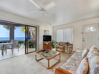 Watch Waves from Lanai w/Wet Bar! Full Kitchen, WiFi, TV, Washer/Dryer Kanaloa