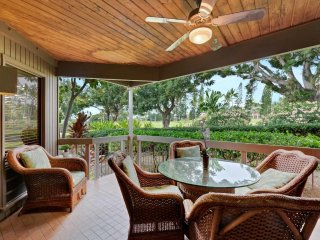 Resort Perks+Homey Comforts! Kitchen+Laundry Ease, WiFi, Lanai, Flat