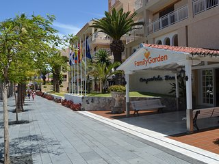 2 BEDROOMED NEAR THE BEACH IN THE BEST AREA OF LAS AMERICAS AND CRISTIANOS