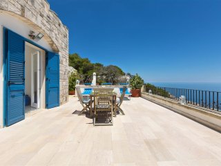 281 House with Sea View in Santa Cesarea Terme