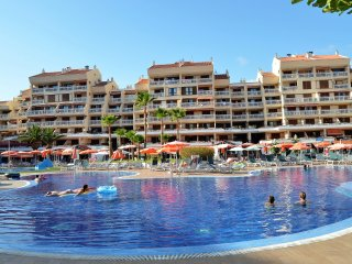 LOVELY 2 BEDROOMED APARTMENT WITH POOL VIEWS NEXT TO THE BEACH