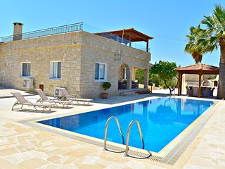 Amazing Sea Views - Heated Infinity Pool - Pool Table - Wifi - Roof Terrace