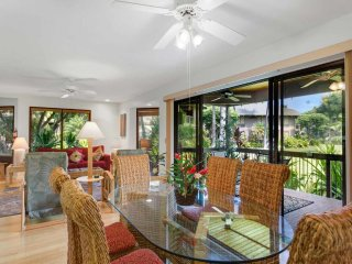 Tasteful Island Decor+Lanai w/Wet Bar, Full Kitchen, TV, WiFi