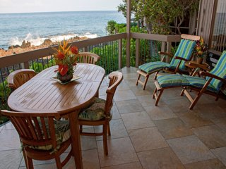 Pure Luxury! Chic Kitchen+Bath, Tile Floor, Sunset View Lanai, WiFi, Laundry