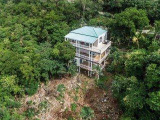 Villa Morena: Two-Bedroom Retreat!
