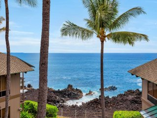 Kona-Keauhou Sunsets+Style! Full Kitchen, Washer/Dryer, WiFi, Lanai, DVD, TV
