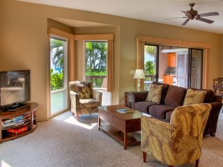 Pacific+Pool View! Island Decor, Modern Kitchen+Bath, WiFi, Laundry, Lanai