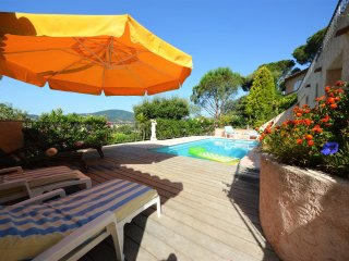F310 Belle villa climatisee avec piscine privee proximite cen