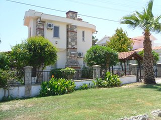 Detached villa in own grounds with private swimming pool. 10 mins. walk to town