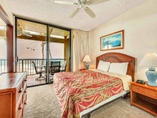 Suite Paradise! Luxe Kitchen+Bath, WiFi, Washer/Dryer, Lanai–Kona Bali Kai 319