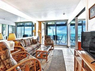 Coast Condo w/Modern Kitchen+Bath, Lanai, WiFi, Washer/Dryer–Kona Bali Kai 302