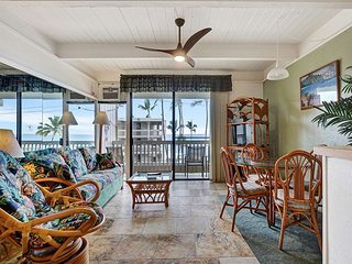 Watch the Surf! Island Condo w/Modern Kitchen, Lanai, AC, WiFi–Kona Bali Kai 366