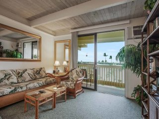 Say Aloha to Island Ease! Washer/Dryer, Kitchen, Lanai, AC, WiFi–Kona Bali Kai