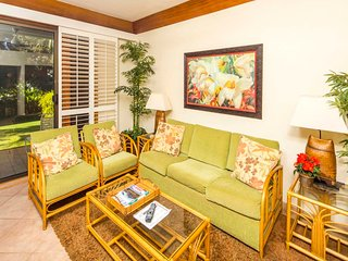 Upgraded Ground Floor Suite w/ Modern Kitchen, Lanai, WiFi–Kiahuna Plantation