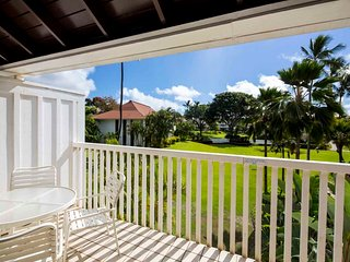 Laid-Back Condo w/Roomy Lanai, Kitchen, WiFi, Flat Screen–Kiahuna Plantation