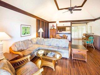 Privacy+Space! Homey 2-Level w/Kitchen Ease, Lanai, WiFi–Kiahuna Plantation