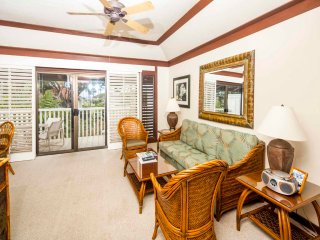 Roomy Lanai+Choice View! Kitchen Ease, WiFi, Ceiling Fans–Kiahuna Plantation