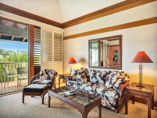 Open Style Suite w/Island Touches, WiFi, Full Kitchen, Lanai–Kiahuna Plantation
