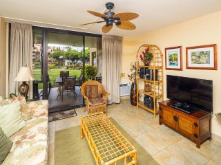 Homey Condo Comfort! Large Lanai to Lawn, Updated Kitchen, WiFi–Kamaole Sands
