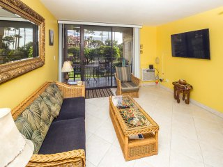 Suite Living w/Island Touches! Updated Kitchen, Lanai, WiFi–Kamaole Sands 1206