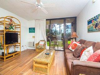Upgraded w/Modern Kitchen, Island Decor, Lanai to Lawn, WiFi–Kamaole Sands 5102