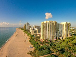 Ocean View 1/1 25% Off in Palm Beach Resort and Spa on Singer Island