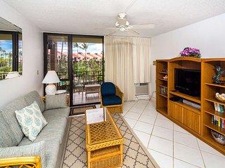 Roomy West Maui Suite w/Cool Tile Floors, WiFi, Full Kitchen–Kamaole Sands 3205