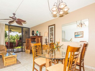 Upgraded Condo w/Open Kitchen, Ground Floor Lanai, WiFi–Kamaole Sands 4102