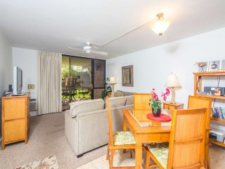 Enjoy Maui Living! Lawn Off Lanai, Kitchen Ease, AC, WiFi–Kamaole Sands 4112