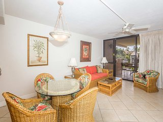 Enjoy Maui Magic w/Casual Decor, Updated Kitchen, AC, WiFi–Kamaole Sands 9302