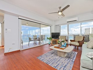 Family Fave! Ocean View w/Wraparound Lanai, Kitchen, Free WiFi–Waikiki Shore